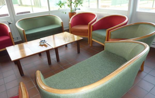 Banken en stoelen vernieuwd