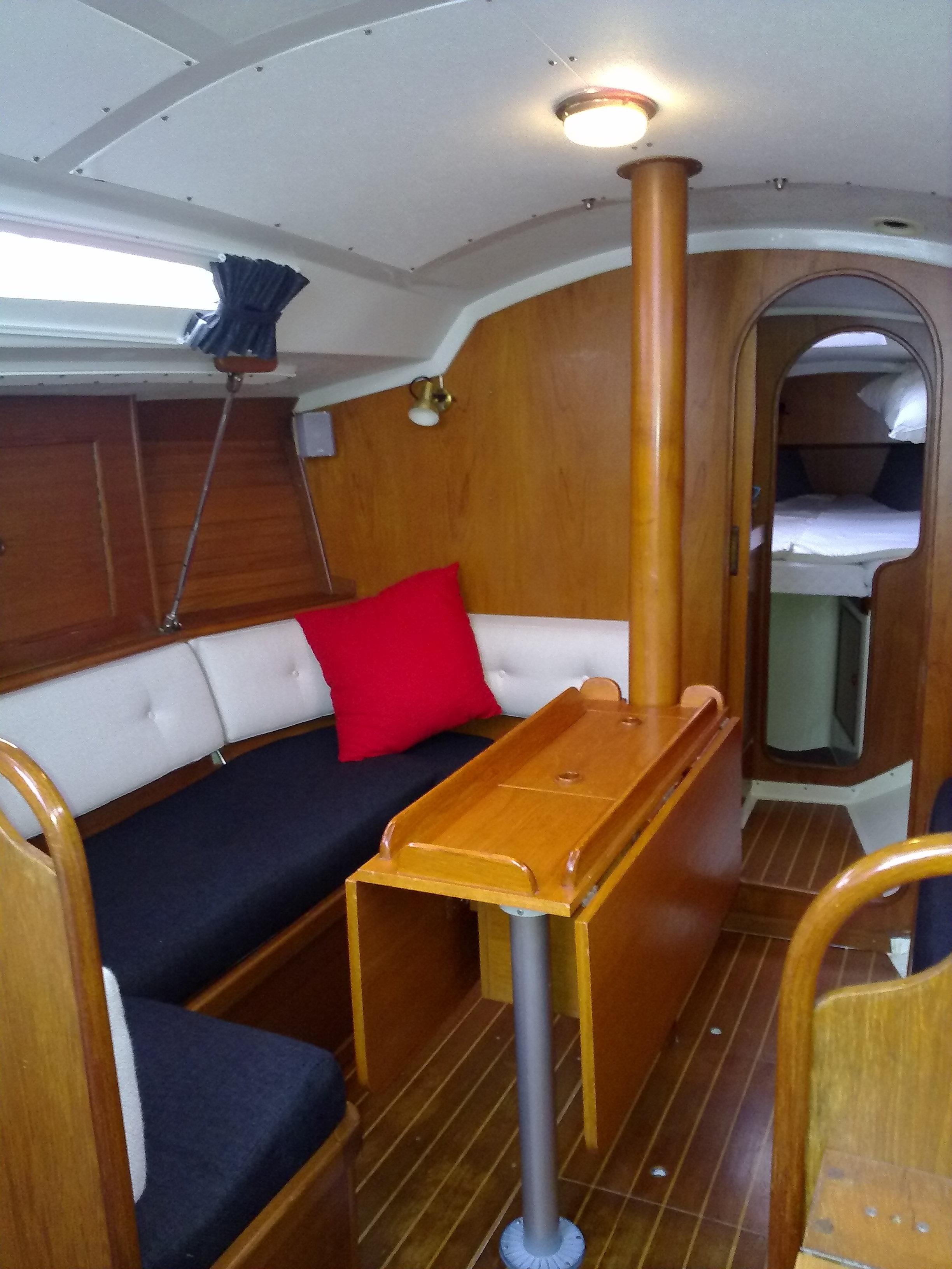 Caravan en boot interieurs zit goed zo stoffeerder in for Interieur u boot
